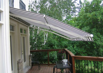 photo of a retractable awning